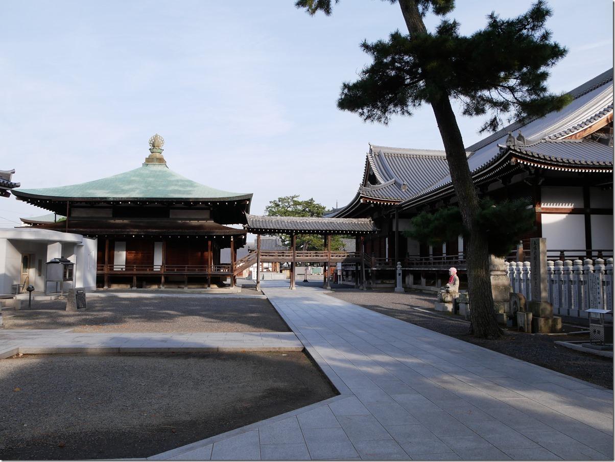 聖霊殿と御影堂(大師堂)