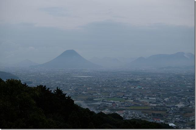 高台から望む讃岐富士