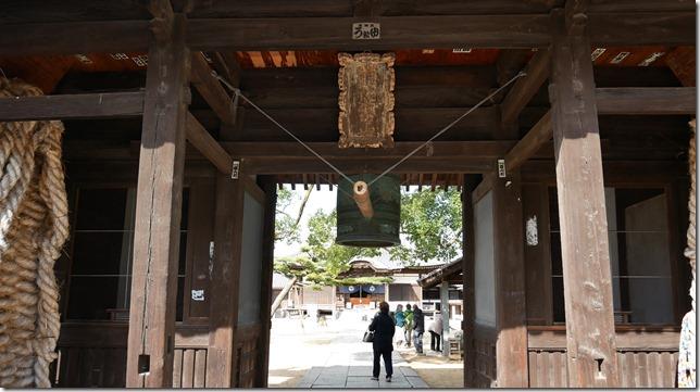 仁王門の釣鐘