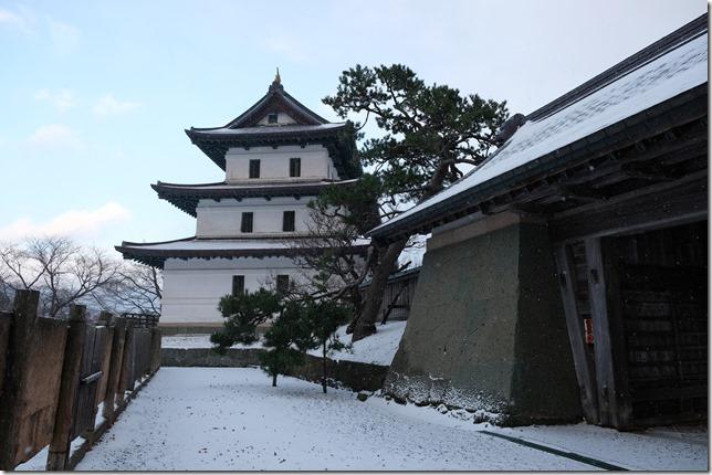 松前城 天守と本丸御門