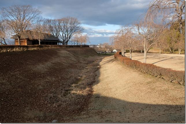 根城 中館の堀