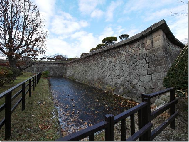 五稜郭 本塁・石垣と堀